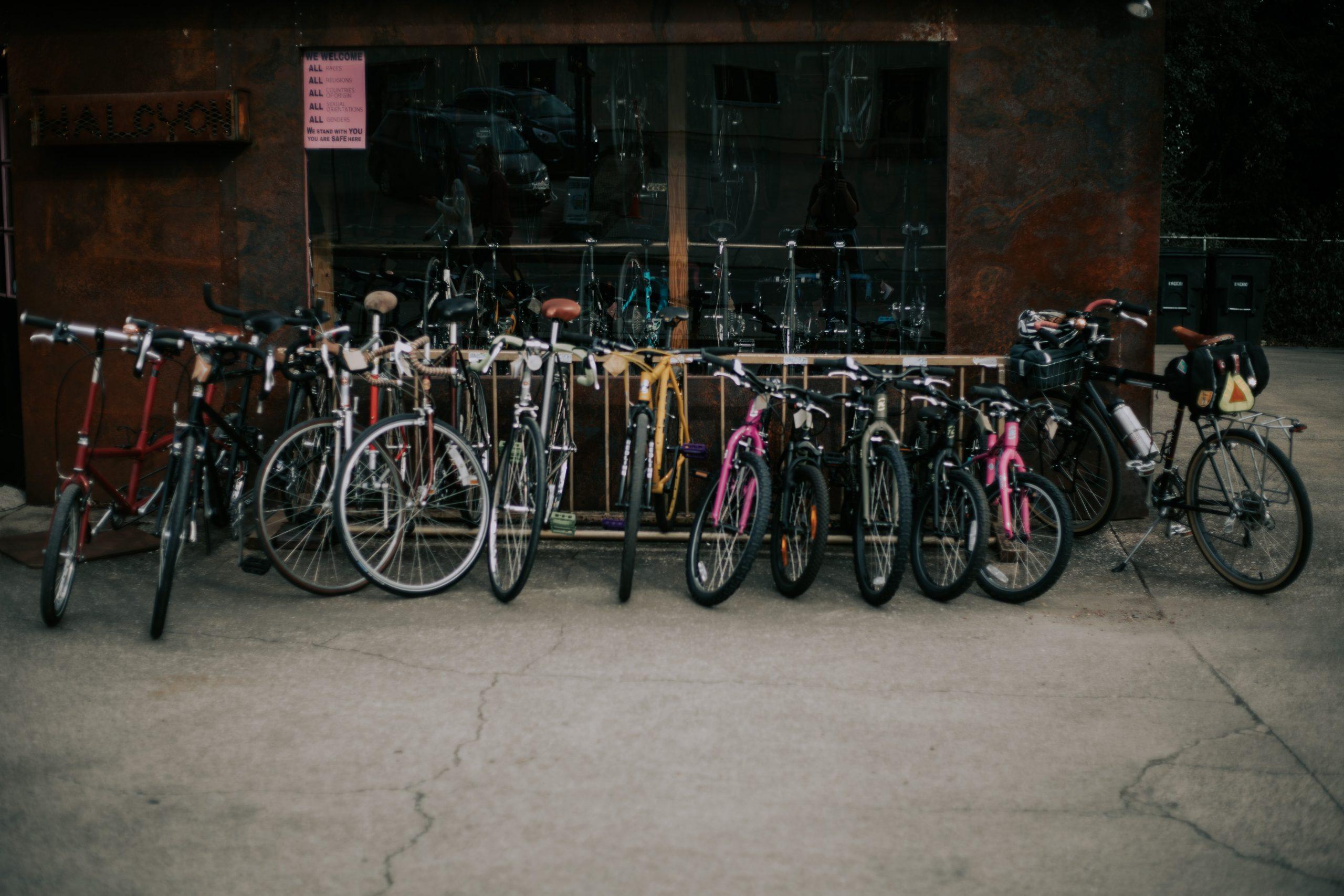 bicicletas estacionadas